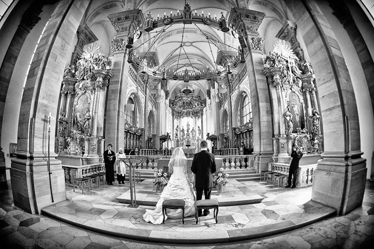 0103-Hochzeitsfotograf-Schloss-Neuhaus
